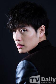 """Handsome Sunbae"" Kang Ha Neul ♡ // The Hot Korean Guys, Korean Men, Korean Music, Korean Drama, Asian Actors, Korean Actors, Lee Tae Hwan, Kang Haneul, Kang Min Hyuk"