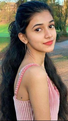 Beautiful Girl Makeup, Beautiful Blonde Girl, Beautiful Girl Photo, Cute Beauty, Beautiful Girl Indian, Beauty Full Girl, Beautiful Indian Actress, Beautiful Actresses, Cute Girl Face