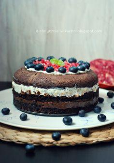 Glutenfree, healthy cake with lemon and chocolate creams. No sugar!