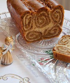 Cozonac cu nuca si caramel – La Ancuta Strudel, Romanian Food, Bread Cake, Sweet Bread, Bread Baking, Peanut Butter, Deserts, Dessert Recipes, Food And Drink