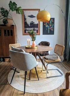 Cozy corner im Kinderzimmer Living Room Decor, Retro Living Rooms, Aesthetic Rooms, Apartment Interior, Cozy House, Home Decor Inspiration, Home Interior Design, Home And Living, Sweet Home