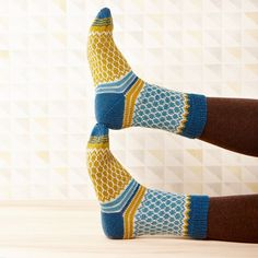 Soxx No. 11 pattern by Kerstin Balke Soxx No. 11 stranded colorwork knit socks pattern by Kerstin Balke Knitting Patterns Free, Knit Patterns, Free Knitting, Patterned Socks, Knitting Socks, Knit Socks, Quilt Kits, Knitting For Beginners, Knitting Projects