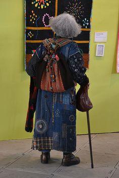 Boro Stitching, Ethno Style, Sashiko Embroidery, Hand Embroidery, Denim Ideas, Quilt Festival, Japanese Textiles, Advanced Style, Refashion