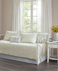 Madison Park Adelaide 6-Pc. Printed Daybed Set - Yellow