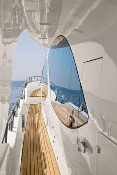 Azimut 95 external yacht detail
