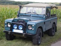 Image from http://carsien.com/uploads/land-rover/land-rover-series-3/land-rover-series-3-01.jpg.