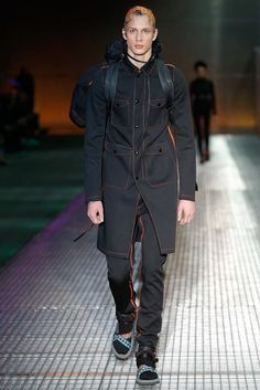 See the complete Prada Spring 2017 Menswear collection.