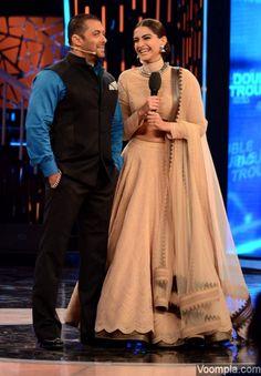 PRDP pair Salman Khan and Sonam Kapoor on Bigg Boss 9. via Voompla.com