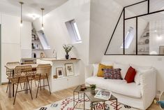 Small Apartments, Small Spaces, Studio Paris, Co Housing, Home Interior Design, Diy Design, Sweet Home, Gallery Wall, Indoor