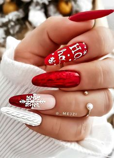 Christmas Gel Nails, Xmas Nail Art, Christmas Nail Art Designs, Holiday Nails, Christmas Christmas, Christmas Sweaters, Red Nail Art, Simple Christmas, Cute Acrylic Nail Designs