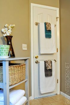 Have a small bathroom? Add second towel hanger to the back of the door for more space! Have a small bathroom? Add second towel hanger to the back of the door for more space! Bathroom Doors, Diy Bathroom Decor, Bathroom Ideas, Simple Bathroom, Bathroom Hacks, Design Bathroom, Bathroom Accents, Bathroom Cabinets, Bathroom Interior