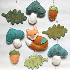 DIY felt idea to decorate the bedroom - DIY felt idea to decorate the nursery. With this DIY felt kit, very easy to make, have fun making t - Felt Diy, Handmade Felt, Felt Crafts, Diy And Crafts, Crafts For Kids, Felt Christmas Ornaments, Handmade Christmas, Christmas Crafts, Sewing Crafts