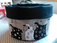 eller en kurv til ting og tang. Small Sewing Projects, Homemade, Quilts, Toys, Cotton, Crafts, Inspiration, Baby, Christmas Ideas