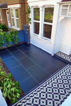 Victorian mosaic tile path in Wimbledon London - London Garden Design Garden Tiles, Garden Paving, Garden Pool, Garden Paths, Shade Garden, Blue Garden, Victorian Front Garden, Victorian Gardens, Victorian Terrace