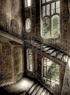abandoned house in France - I would love to know the stories behind these abandoned buildings. Such beauty. Abandoned Buildings, Abandoned Mansions, Old Buildings, Abandoned Places, Abandoned Castles, Haunted Places, Abandoned Library, Derelict Places, Old Abandoned Houses