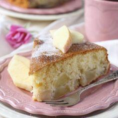 750 grammes vous propose cette recette de cuisine : Gâteau aux pommes extra moelleux. Recette notée 3.8/5 par 351 votants