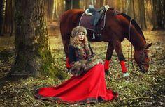 """Kurzmantel """"Russisches Märchen"""" aus Wolle und Rock aus Wolle: http://armstreet.de/shop/gewandung/weiter-rock-russisches-maerchen"""