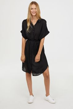 Straight-cut shirt dress in woven modal with a collar and buttons at front. Cut Shirts, Ethical Fashion, The Dress, Playing Dress Up, What To Wear, Black Women, Cold Shoulder Dress, Cute Outfits, Short Sleeve Dresses