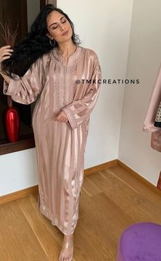 Moroccan Bride, Moroccan Caftan, Arab Fashion, Muslim Fashion, Cute Casual Outfits, Girl Outfits, Fashion Outfits, Morrocan Fashion, First Birthday Outfit Girl