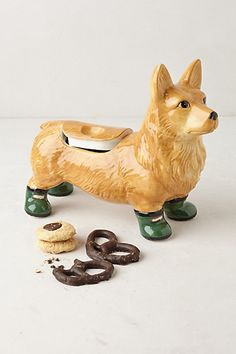 Corgi cookie jar -- #anthropologie!! If this was a tri-color corgi this would be in my kitchen!!!