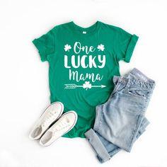 Mama shirts for St Patrick, St patricks day shirts St Patrick's Day Outfit, Outfit Of The Day, Mama Shirts, St. Patrick's Day Diy, Geile T-shirts, St. Patricks Day, Saint Patricks, Kindergarten Teacher Shirts, St Patrick Day Shirts