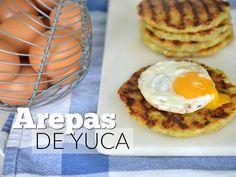 Sí, esta es una receta de arepas de yuca. Te prometo que transformará tu desayuno para bien, sirve con huevos fritos o revueltos.