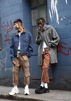 Rabbithole London est une marque londonienne lancée en 2010 dans le quartier de Camden Town. Silhouettes contemporaines.