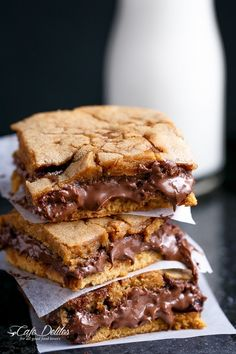 Nutella-Stuffed Salted Caramel Blondies | 22 Brownies That Prove Blondes Do It Better