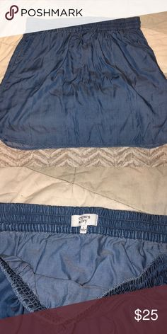 152f073af3ca2 EUC Crown   Ivy chiffon skirt Beautiful skirt! Great for the spring and  summer.