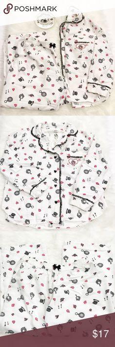 Betsey Johnson Alice in Wonderland Pajamas Betsey Johnson Alice in Wonderland Pajamas Betsey Johnson Intimates & Sleepwear Pajamas