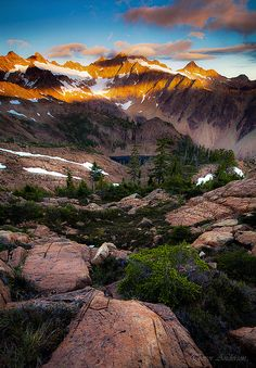 The Sisters and a Wiseman, Washington, photo by Trevor Anderson
