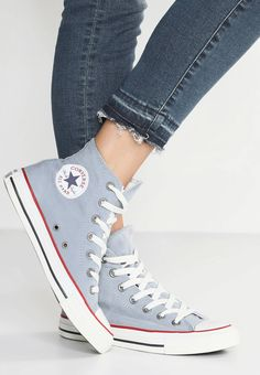 f1d239a85ad2 Converse. CHUCK TAYLOR ALL STAR OMBRE WASH - Sneaker high - blue  slate garnet white. Sohle Kunststoff. Decksohle Textil. Innenmaterial Textil .