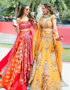 Such refreshingly hearty frames of happiness & vibrance that'll surely liven up your moods! Indian Bridal Outfits, Indian Bridal Fashion, Indian Designer Outfits, Designer Dresses, Mehndi Outfit, Indian Gowns Dresses, Pakistani Wedding Dresses, Lehenga Designs, Wedding Dresses For Girls