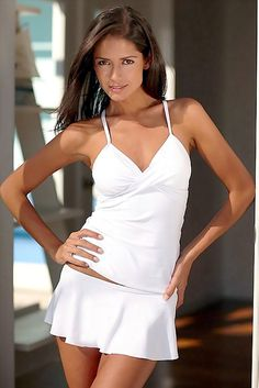 ab5aa61c415 La modelo Colombiana Carla Ossa White Tankini