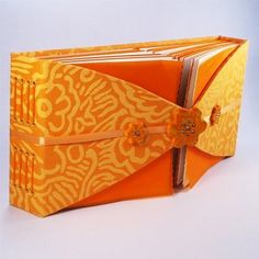 Double Book, Deckled Edge Bindery Drilling down from this image to lots of wonderful book making blogs / tutorials!