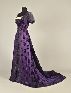 Worth evening dress ca. 1910 From Whitaker Auctions