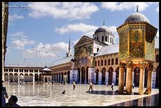 https://flic.kr/p/6j65ms | The Umayyad Mosque الجامع الاموي  ! |  The Ummayad Mosque, also known as the Grand Mosque of Damascus (Arabic: جامع بني أمية الكبير, transl. Ğām' Banī 'Umayyah al-Kabīr), is one of the largest and oldest mosques in the world. Located in one of the holiest sites in the old city of Damascus, it is of great architectural importance.