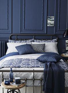 navy blue bedroom #farrowandball stiffkey blue #indigo For more inspiration visit bellamumma.com
