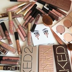 Makeup Collection, Beauty Collection, Makeup Storage, Pallet Storage, Makeup H …. Makeup Goals, Love Makeup, Makeup Inspo, Makeup Blog, Make Up Palette, Naked Palette, Silver Makeup, Brown Makeup, Makeup Brands