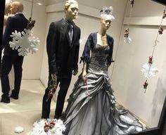 Le nostre vetrine oggi!! Fissa il tuo appuntamento 031272396 www.tosettisposa.it #abitidasposa2015 #wedding #weddingdress #tosetti #abitidasposo #abitidacerimonia #abiti #tosettisposa #nozze #bride #modasottoleate lle #alessandrotosetti #domoadami #nicole #pronovias #alessandrarinaudo# realtime #l'abitodeisogni #simonemarulli #aireinbarcellona #rosaclara'#airebarcellona # زواج #брак #فساتين زفاف #Свадебное платье #حفل زفاف في إيطاليا #Свадьба в Италии