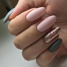 Ideas for nails green and gold pink Best Picture For nail colors pasteles For Your Taste Oval Nails, Gold Nails, Pink Nails, Glitter Nails, Pink Glitter, Sparkle Nails, Vernis Rose Gold, Hair And Nails, My Nails