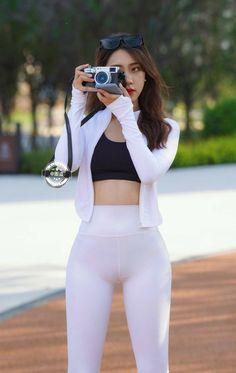 Pretty Korean Girls, Sexy Asian Girls, Leder Outfits, Korean Girl Fashion, Skinny Girls, Girls In Leggings, Beauty Full Girl, Beautiful Asian Women, Woman Outfits