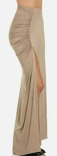 Ruched slit maxi (I'd want a different color) Skirt Outfits, Dress Skirt, Dress Up, Cute Outfits, Love Fashion, Fashion Looks, Womens Fashion, Mode Chic, Evening Dresses