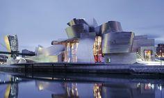 Guggenheim Museum Bilbao od Gehryho slaví 20 let