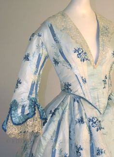 Ohhhhh...so pretty!  Day dress  1853-54  Lots of luscious details.