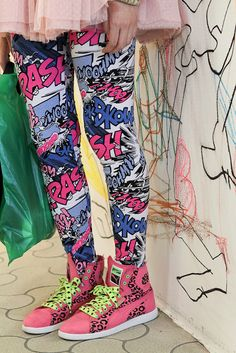 comic leggings