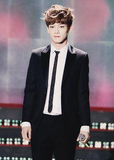 Las etiquetas más populares para esta imagen incluyen: Chen, exo, exo-m y kim jongdae