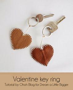 diy keychain ideas how to make \ diy keychain ; diy keychain for him ; diy keychain for kids ; diy keychain ideas how to make ; Leather Keyring, Leather Jewelry, Leather Craft, Diy Leather Glue, Diy Leather Rings, Leather Diy Crafts, Sewing Leather, Leather Necklace, Diy Jewelry Rings