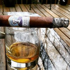 Share your holiday #diamondcrown #cigar with us! Photo by @chefmartymcflyy