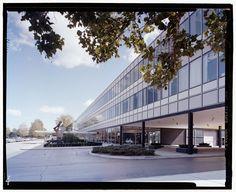 Design Center : General Motors Technical Center (1945-56) | Architect : Eero Saarinen | Photo : Balthazar Korab